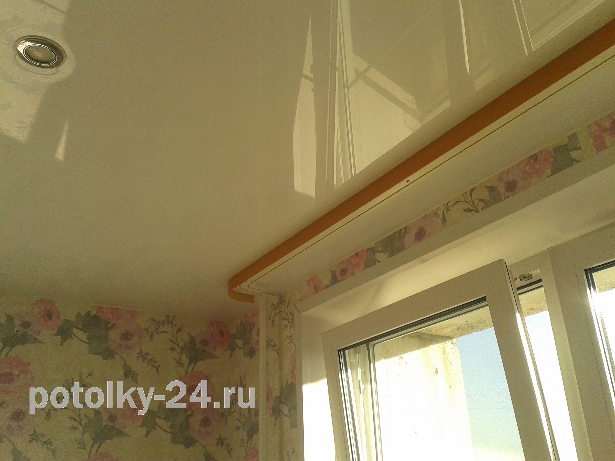 Натяжной потолок и карниз для штор как сделать